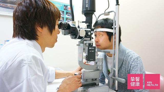 裂隙灯显微镜检查
