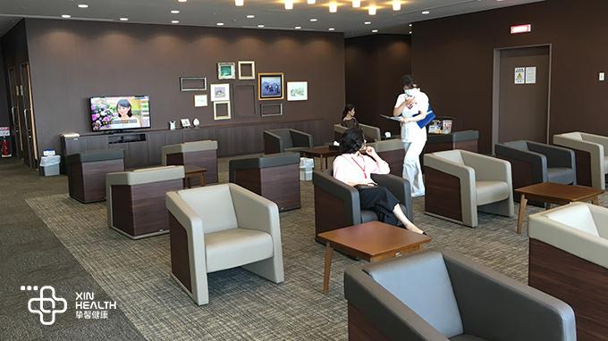 干净舒适的日本高端身体检查休息区