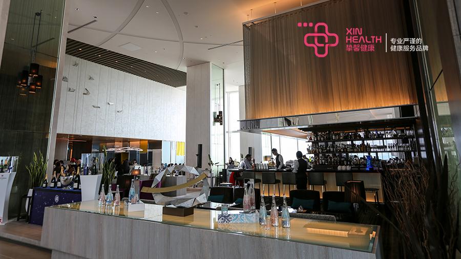 日本高级体检大楼内部餐厅环境
