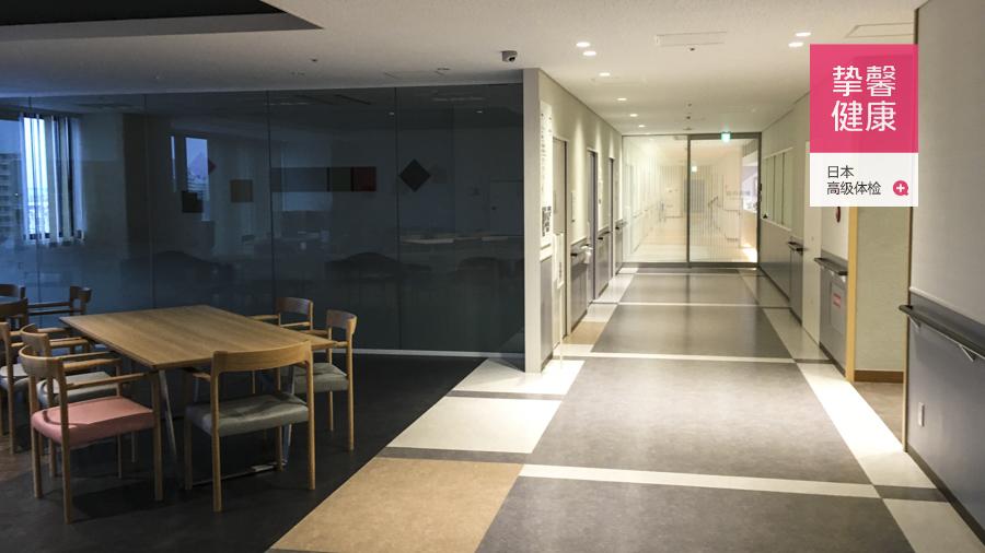 干净舒适的日本医院内部环境实景
