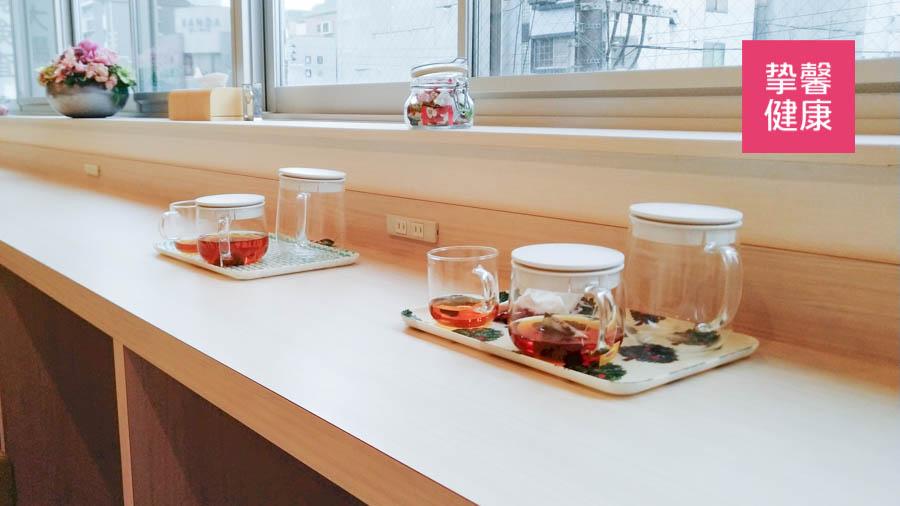 肠镜套餐中1000ml的整肠剂与防脱水的红茶