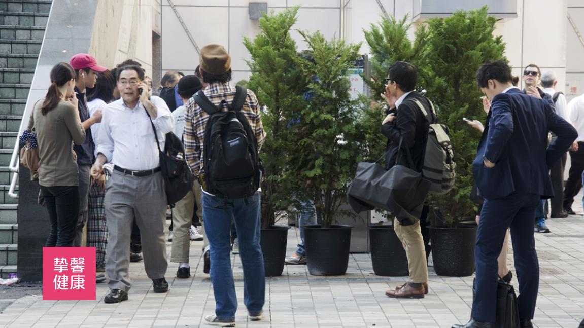 日本街头的规定吸烟点
