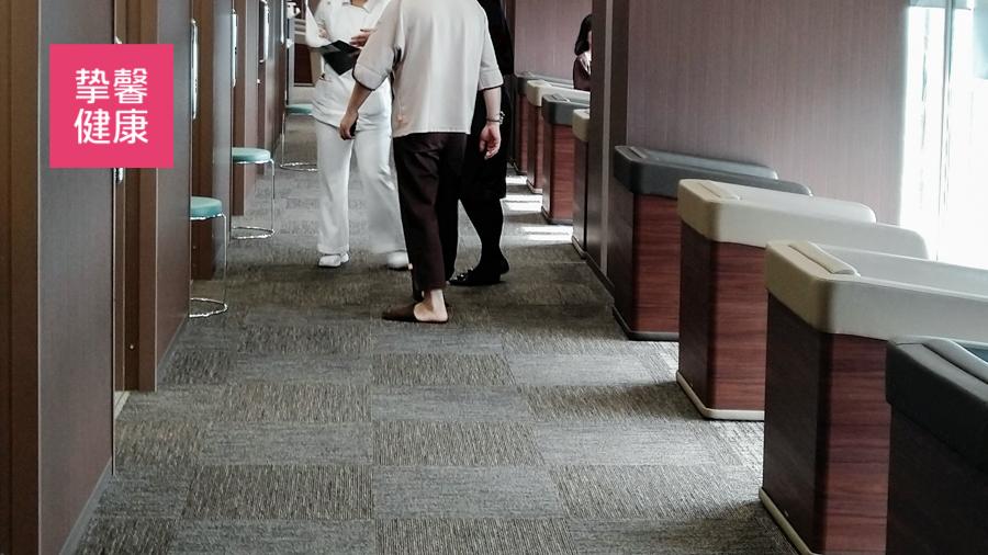 日本精密体检医院内部科室走廊
