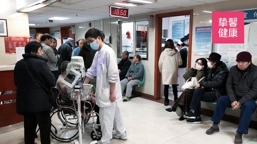 人满为患的国内三甲医院就诊环境
