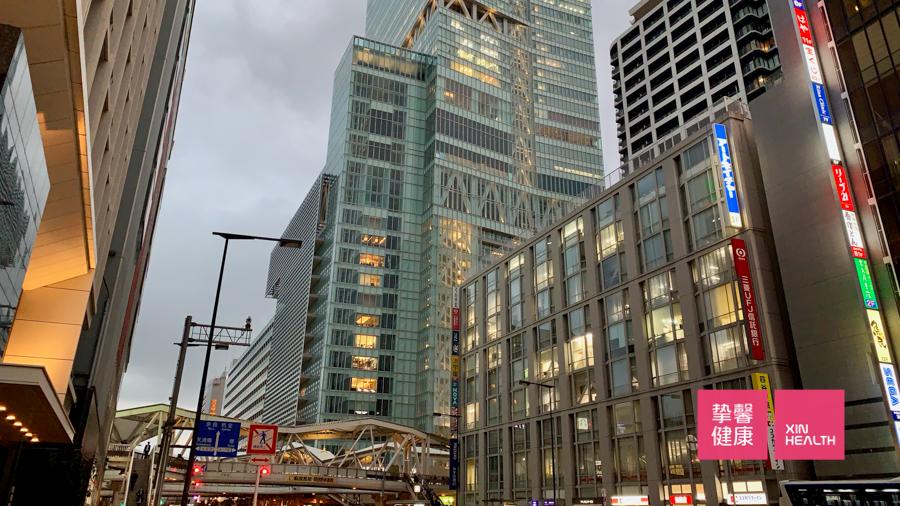 繁华热闹的日本大阪市区