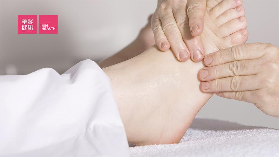 脚疼痛、肿胀、发红等是深静脉血栓的典型症状