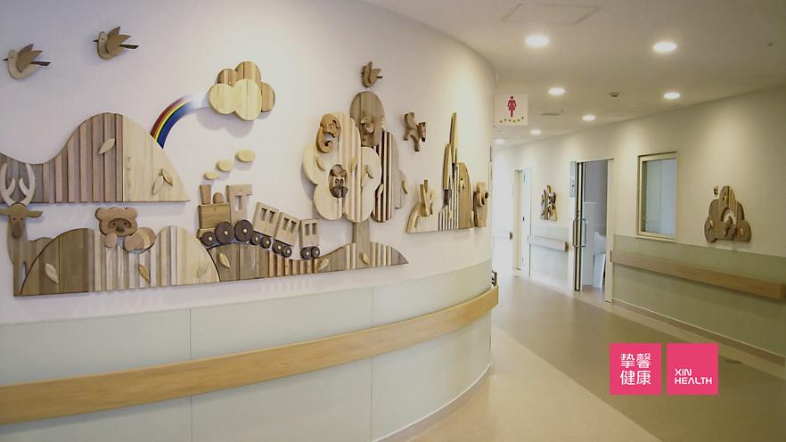 自治医科大学附属医院走廊