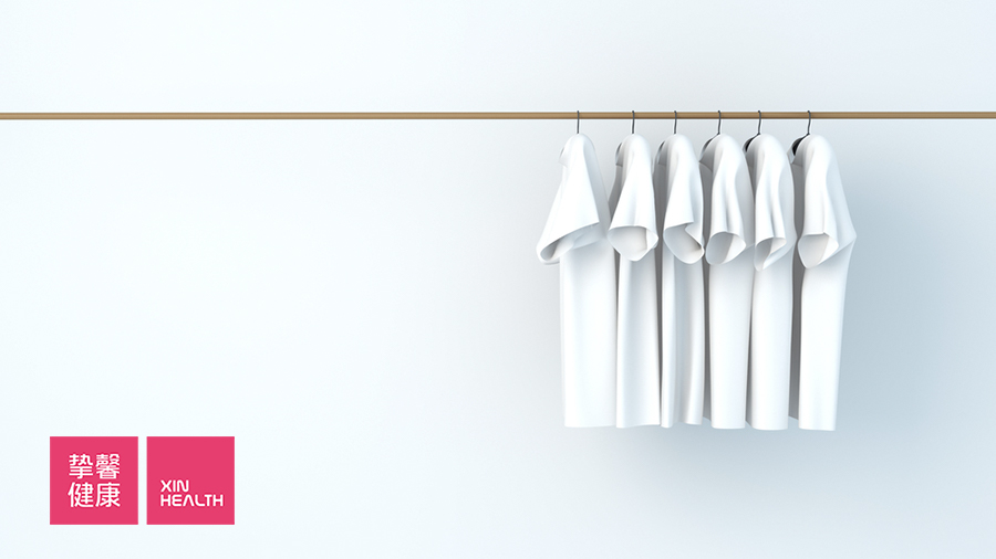 年轻工薪一族普遍采用室内晾衣杆