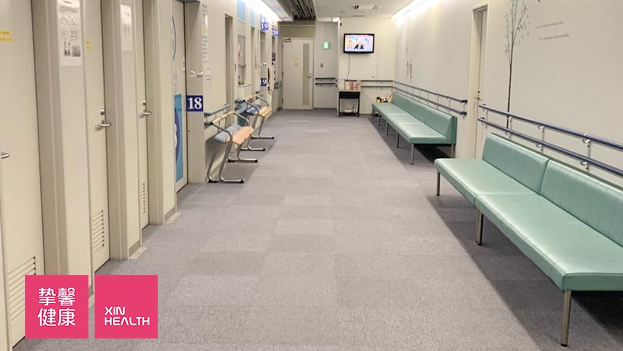大阪市立大学医学部附属医院胃镜检查等候区