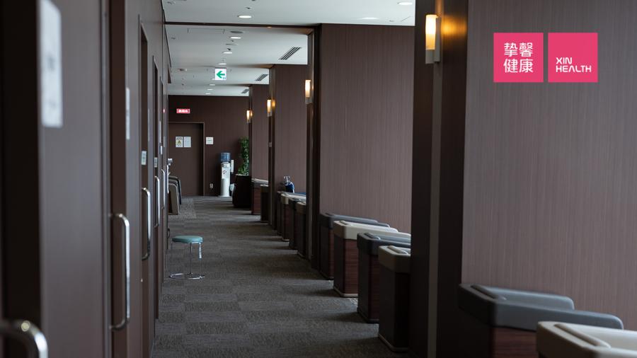 日本体检时诊疗室外走廊更加安静舒适