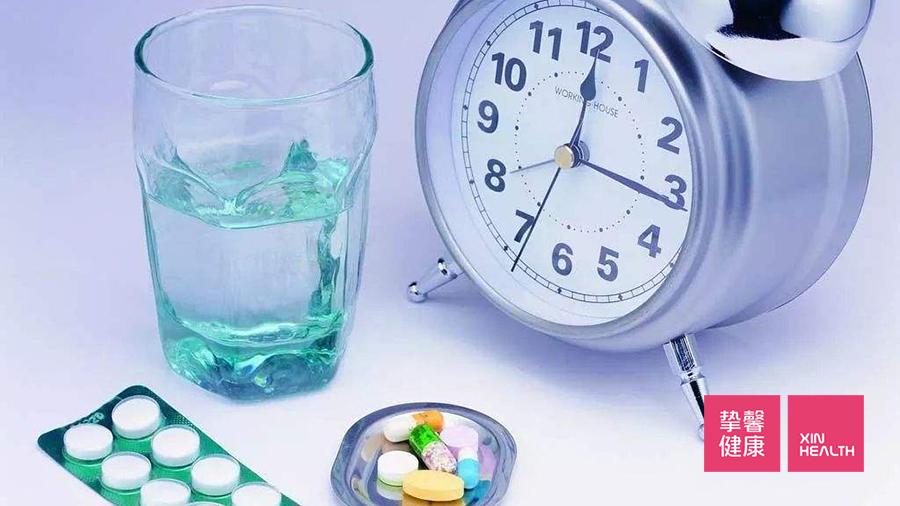 药物的治疗也是十分有效的