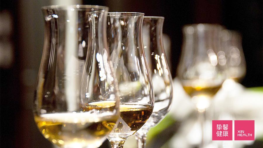 过度饮酒会使 γ – GTP 指标上升
