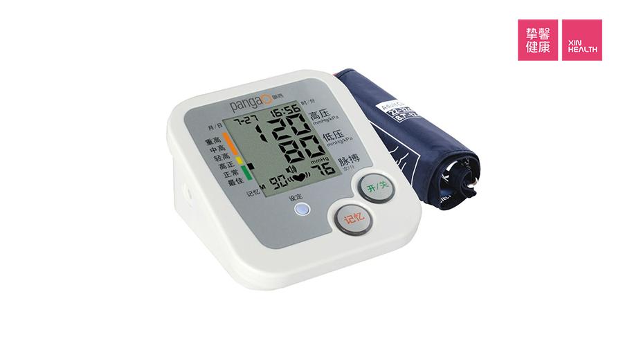高血压患者家中常备电子血压计
