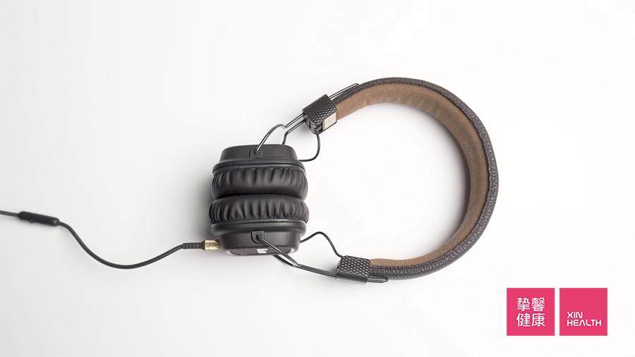 每天戴耳机最好别超过1小时