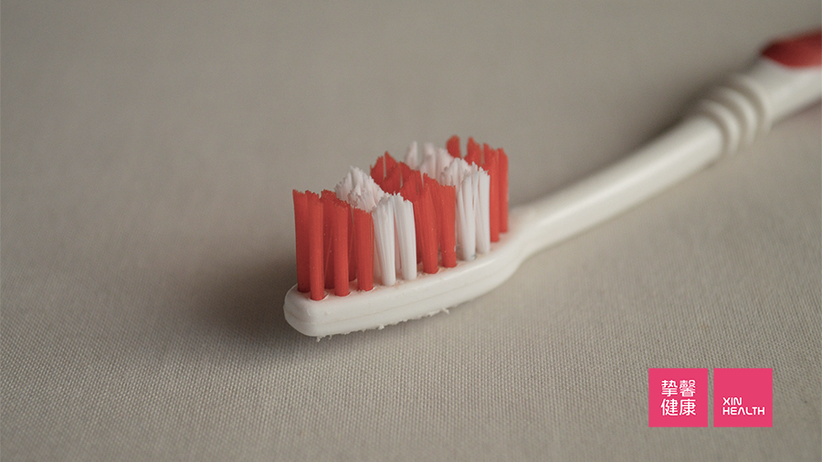 乙肝病毒可以通过牙刷、剃须刀等私人物品传播